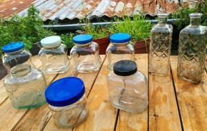 9 Frascos de vidrio antiguos y Botellon de Chandón x 750