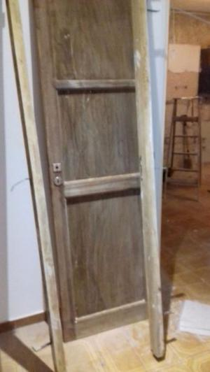 Puerta placa cedro antigua arenada