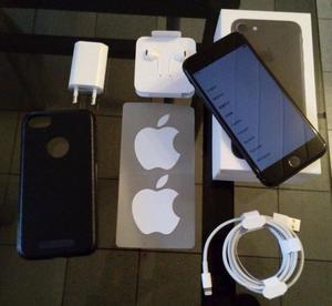 IPhone 7 black 32 gb Nuevo en caja + funda protectora