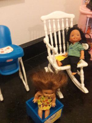 Kelly de Barbie con ropa y muchos zapatitos impecable