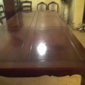 Vendo mesa de madera. Negociable