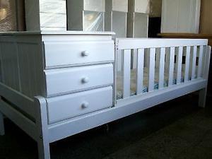 vendo cama cuna multifuncion con cajonera y cuna pintada