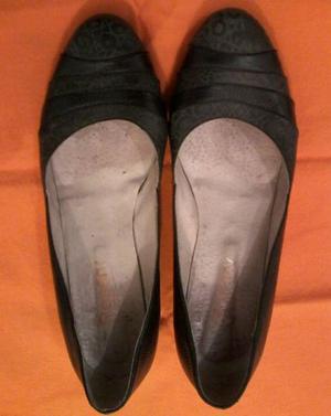 $150. zapatos de cuero,taco chino.