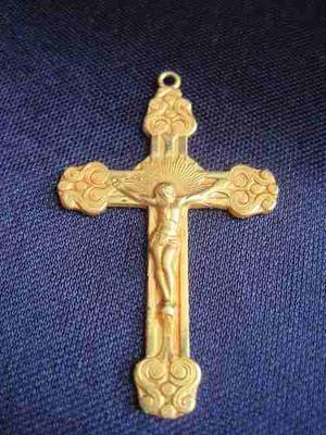 Crucifijo Antiguo En Metal Dorado