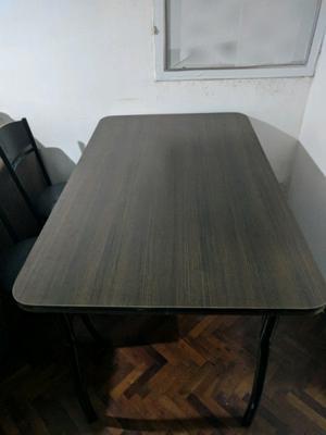Mesa 1.50 x 85 + 6 sillas