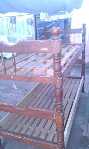 Vendo cucheta y cama de muy buena madera