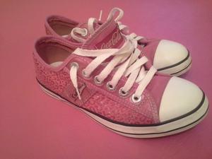 Zapatillas de mujer seminuevas