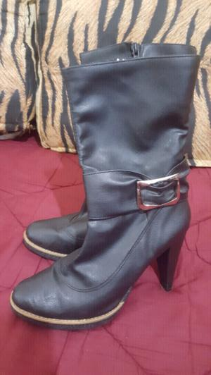 botas de cuero taco alto