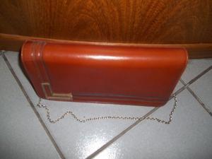 cartera de cuero marrón