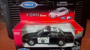 Auto de Policia 1/36
