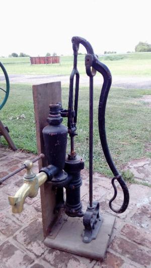 Bomba muy antigua y rara.Made in USA.