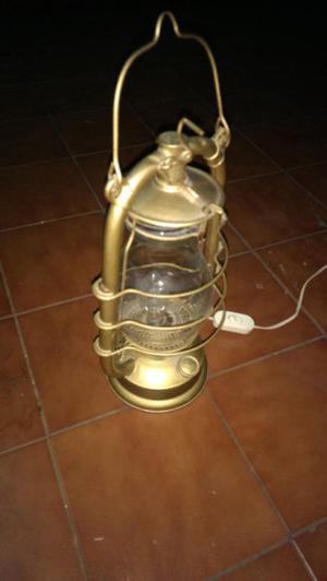 Lampara de mesa (tipo kerosene)