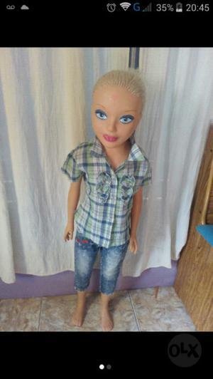 Muñeca barbie 1 metro