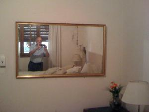 Vintage. Antiguo y Hermoso espejo de cristal con marco