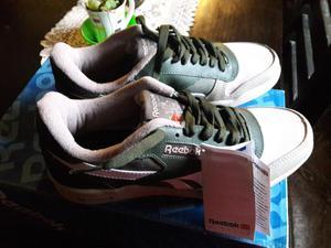 Zapatillas Reebok nuevas sin uso número 40
