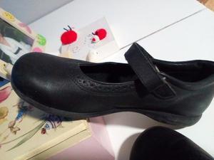 Zapatos colegiales FERLI muy poco uso exelente cuidado y