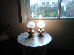 lámparas de mesa antiguas estilo quinqué con base de