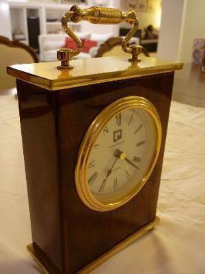 reloj de mesa marca paco rabanne quartz