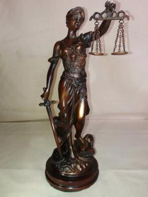Estatua De La Justicia En Petiti Bronce