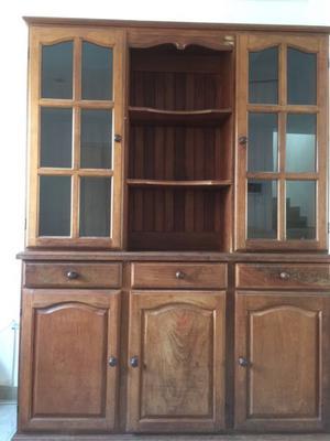 Muebles de algarrobo en excelente estado