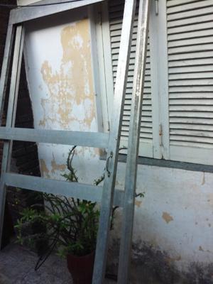 Vendo 2 puertas corredizas aluminio floresta posot class for Puertas balcon usadas