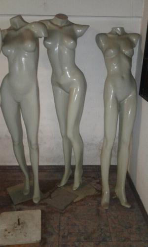 Tres maniquíes mujer