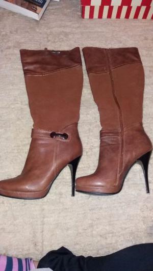 Vendo Impecables botas caña alta