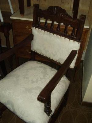 antiguo sillon para sala