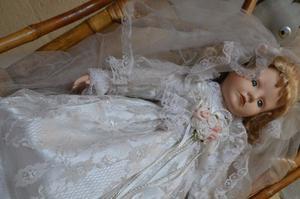 muñeca novia de porcelana