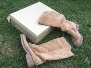 Botas de gamuza beige