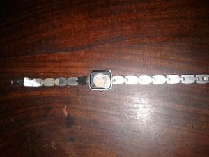 Vendo relojes de pulsera para mujer