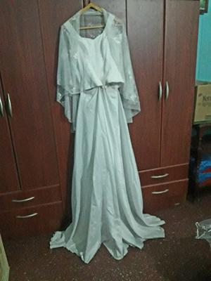 Vestido de novia muy lindo como nuevo.