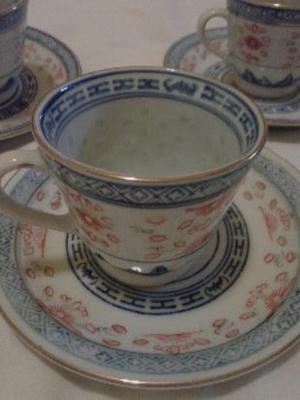 juego de tazas y platitos de cafe borde de oro -sin uso