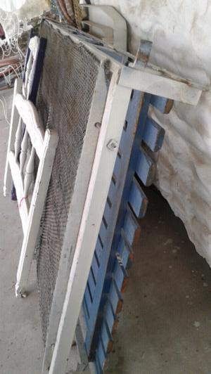 Cama de 1 plaza de hierro con elástico