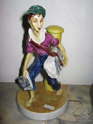Hermosa Figura En Porcelana Firmada -pablo Alonso. Cód.: