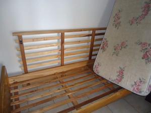 Vendo cama una plaza marinera (sin colchon) excelente