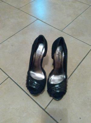 Hermosos zapatos negros taco fino