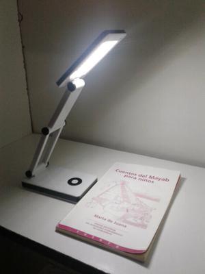 Lámpara con escritorio led