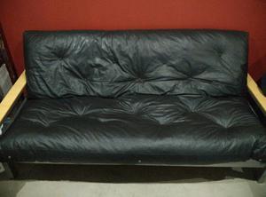 Sofa Futon Cama color Negro en excelente estado!!