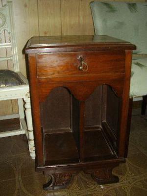 antigua mesa de luz estilo art-deco