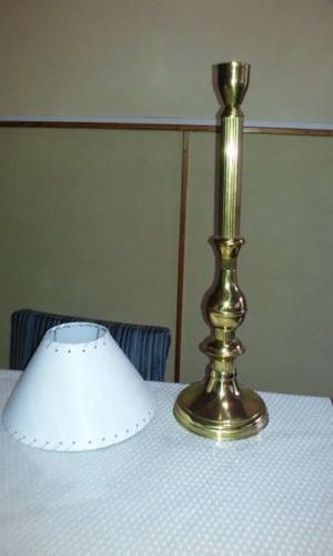 lampara de bronce de 64 cm de alto excelente estado