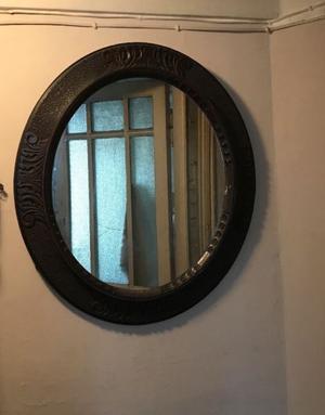 Espejo Oval Antiguo Con Marco De Madera Trabajado Oferta