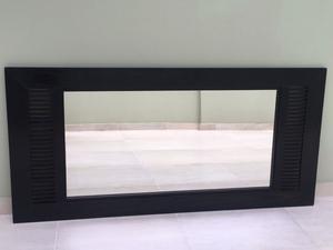 Espejo con marco de madera wengue