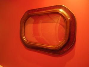 Marco para colgar, antiguo, con vidrio.