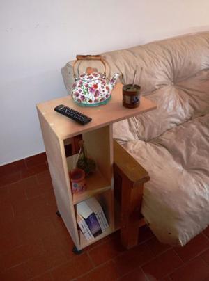Mesa de luz/mesa desayunador, funcional como mesa auxiliar