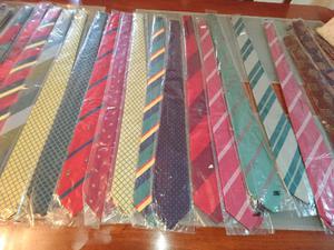 Vendo algunas corbatas nuevas. Exc calidad
