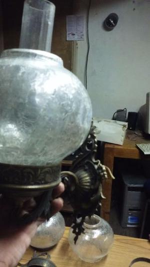 aplique de bronce y cristal antiguo $800