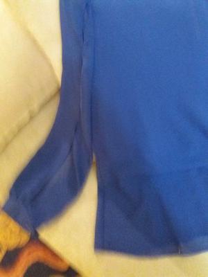 Última moda Camisa azul Francia con aberturas en mangas