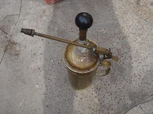 pulverizador y fumigador de bronce