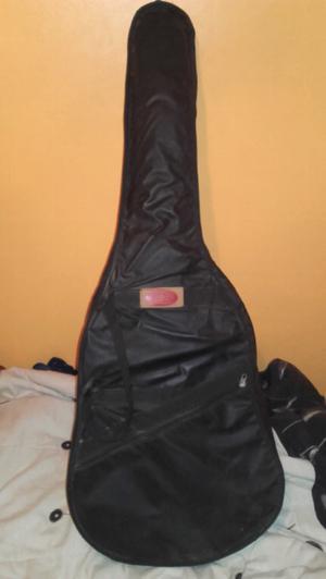 vendo guitarra criolla en buen estado